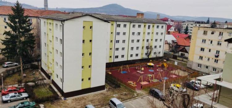 Reabilitare termică a blocurilor de locuințe vechi din Bistrița