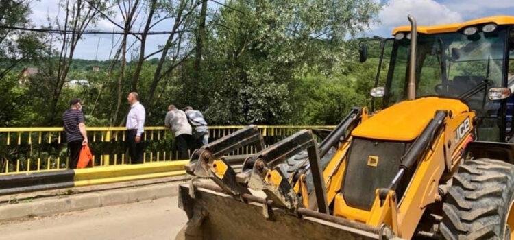 Decolmatăm podul rutier spre Ghinda