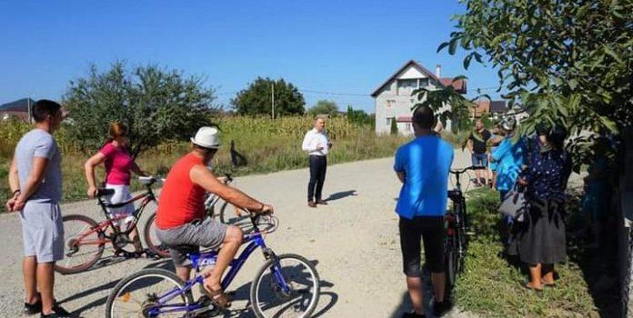 Viceprimarul Cristian Niculae a anunțat proiecte noi într-o discuție cu cetățenii de pe strada Zăvoaie